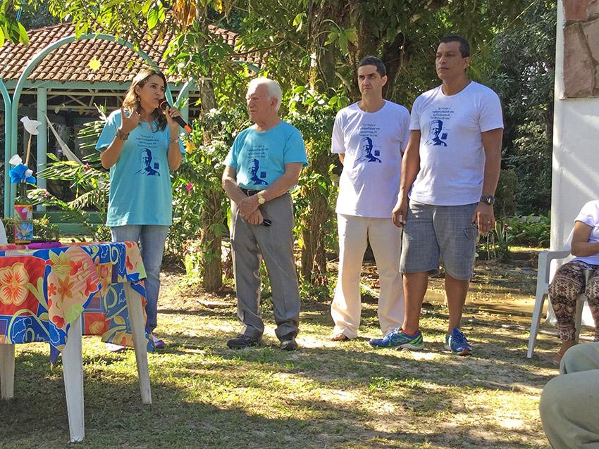 Coordenadora Regional da Novo Encanto, Sabrina Forte, agradecendo ao M. Monteiro.  Foto: Galdino Mota